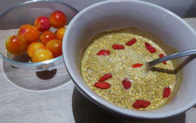 Petit déjeuner protéiné : Porridge croquant amande-chia-quinoa-sarrasin